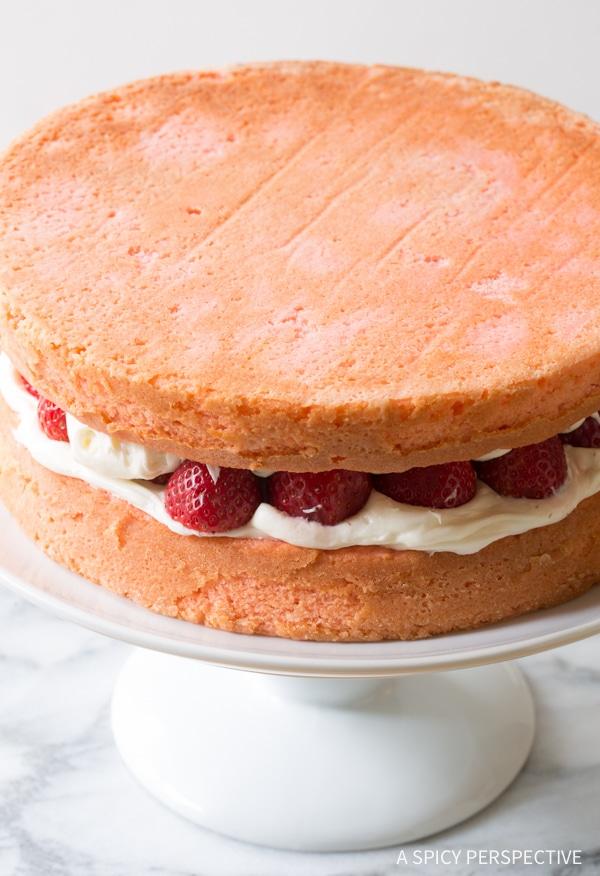 How To: Fresh Strawberry Lemonade Cake Recipe