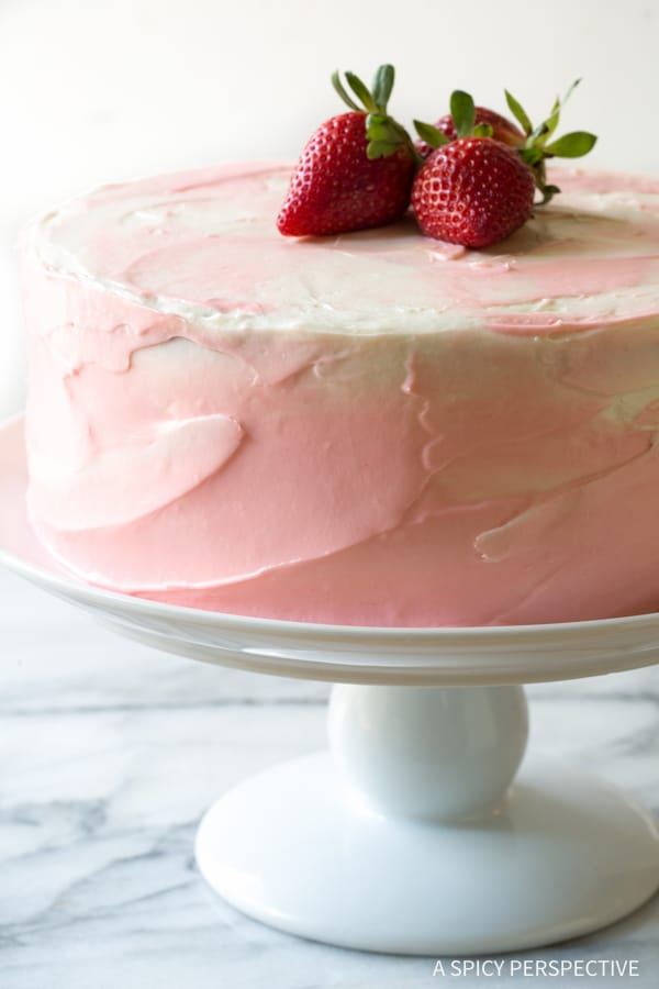 Heavenly Fresh Strawberry Lemonade Cake Recipe