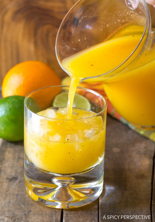 Best Killer Bee Cocktails Recipe from Sunshine's Bar in Nevis