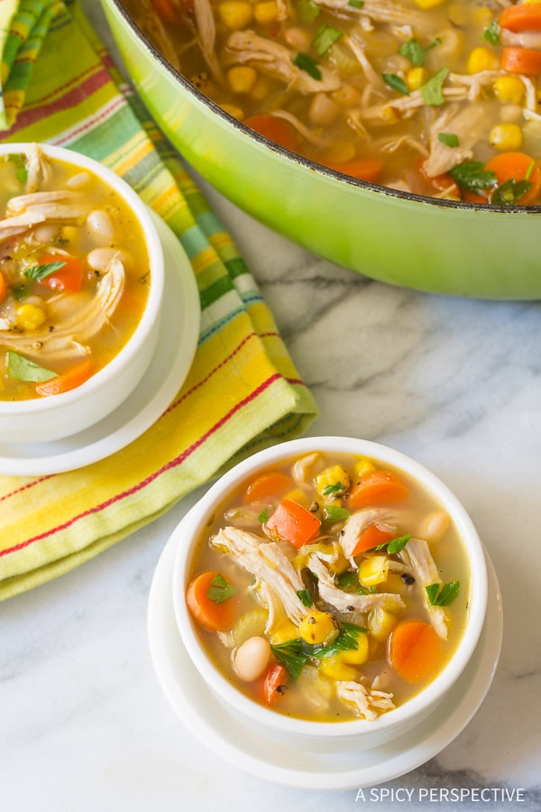 Easy & Healthy Chicken White Bean Soup Recipe