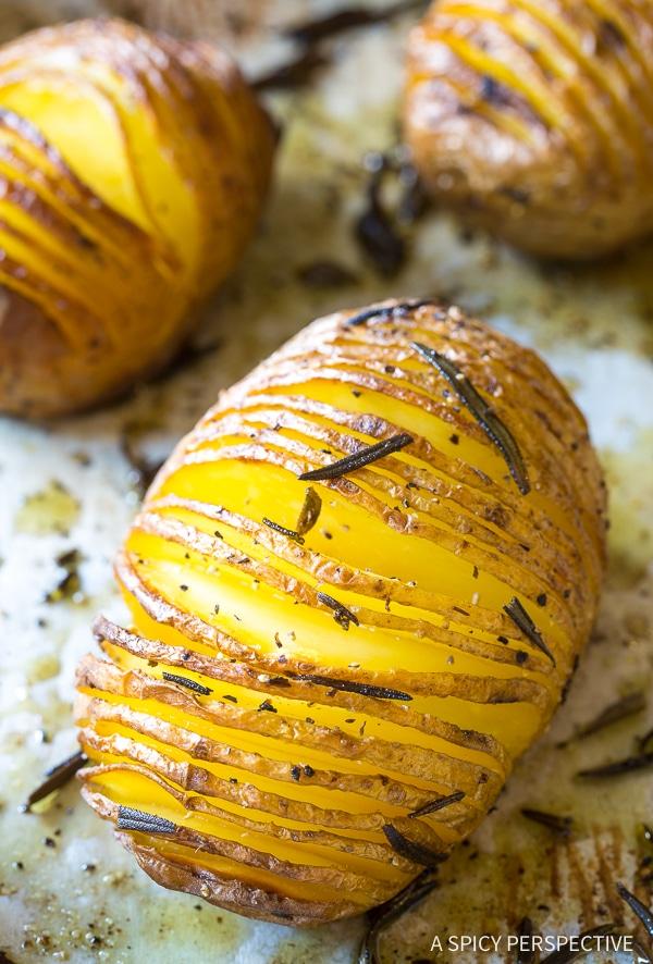 Easy Crispy Hasselback Potatoes with Rosemary and Garlic Recipe