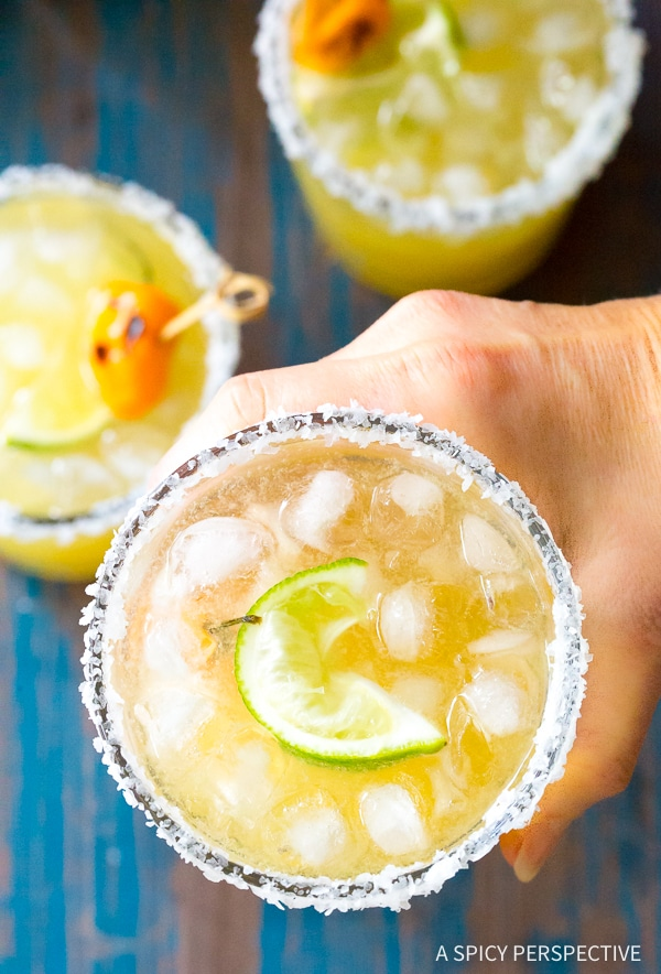 5-Ingredient Spicy Habanero Pineapple Margaritas Recipe for Cinco de Mayo and summer parties!