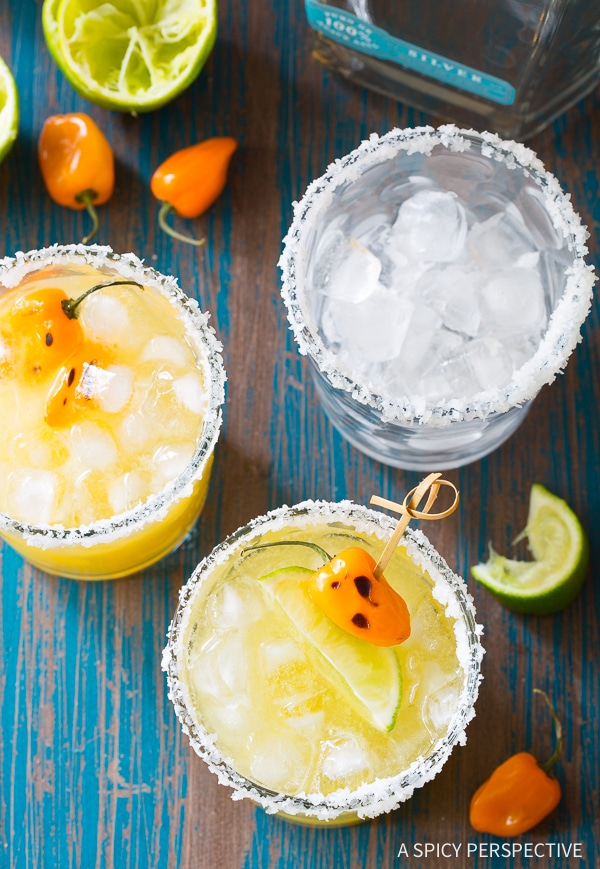 Simple Spicy Habanero Pineapple Margaritas Recipe for Cinco de Mayo and summer parties!