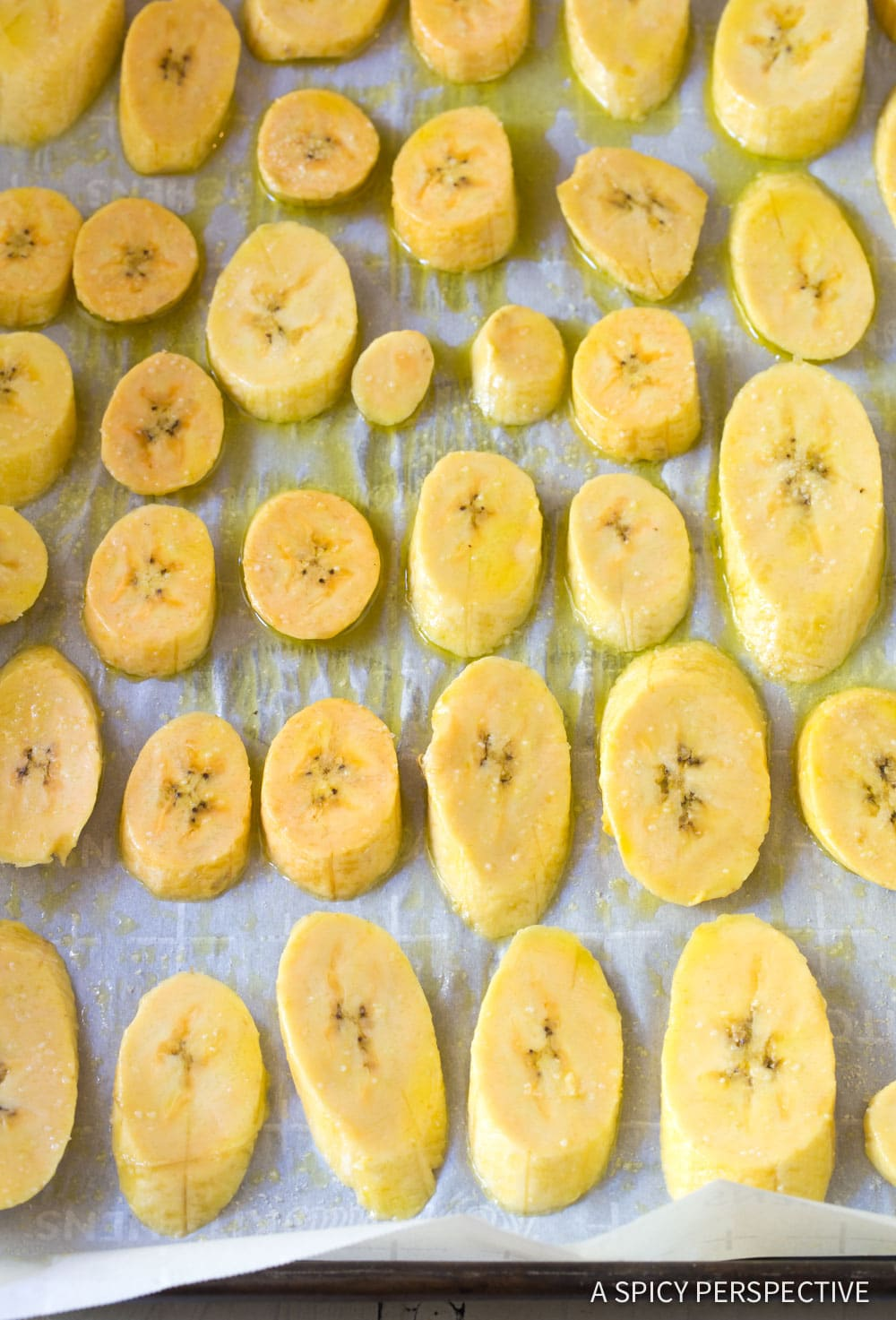 Best Perfect Baked Plantains Recipe #ASpicyPerspective #Paleo