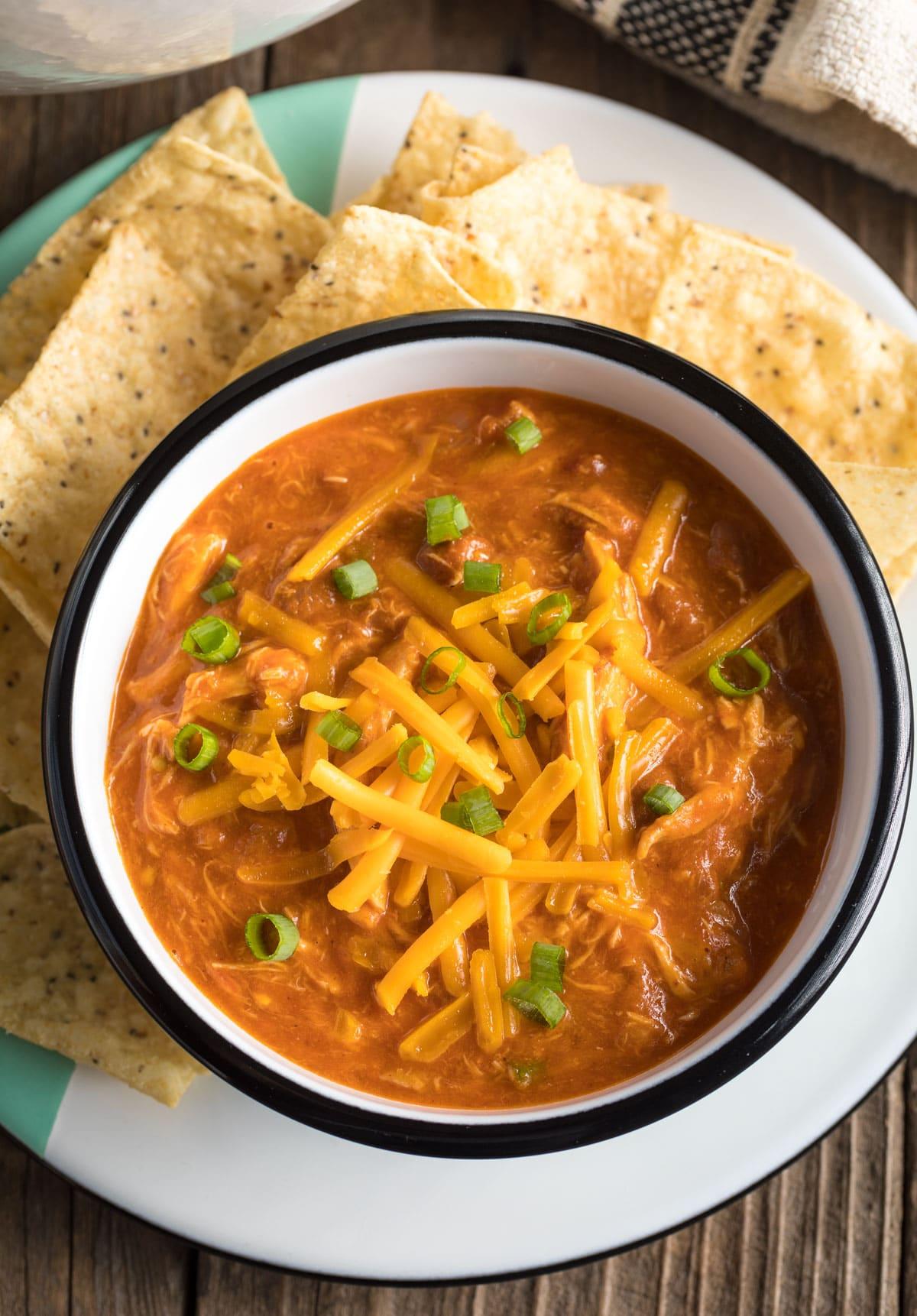 Healthy 5-Ingredient Cheesy Chicken Chili Recipe #ASpicyPerspective
