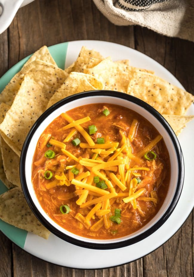 Love this 5-Ingredient Cheesy Chicken Chili Recipe #ASpicyPerspective