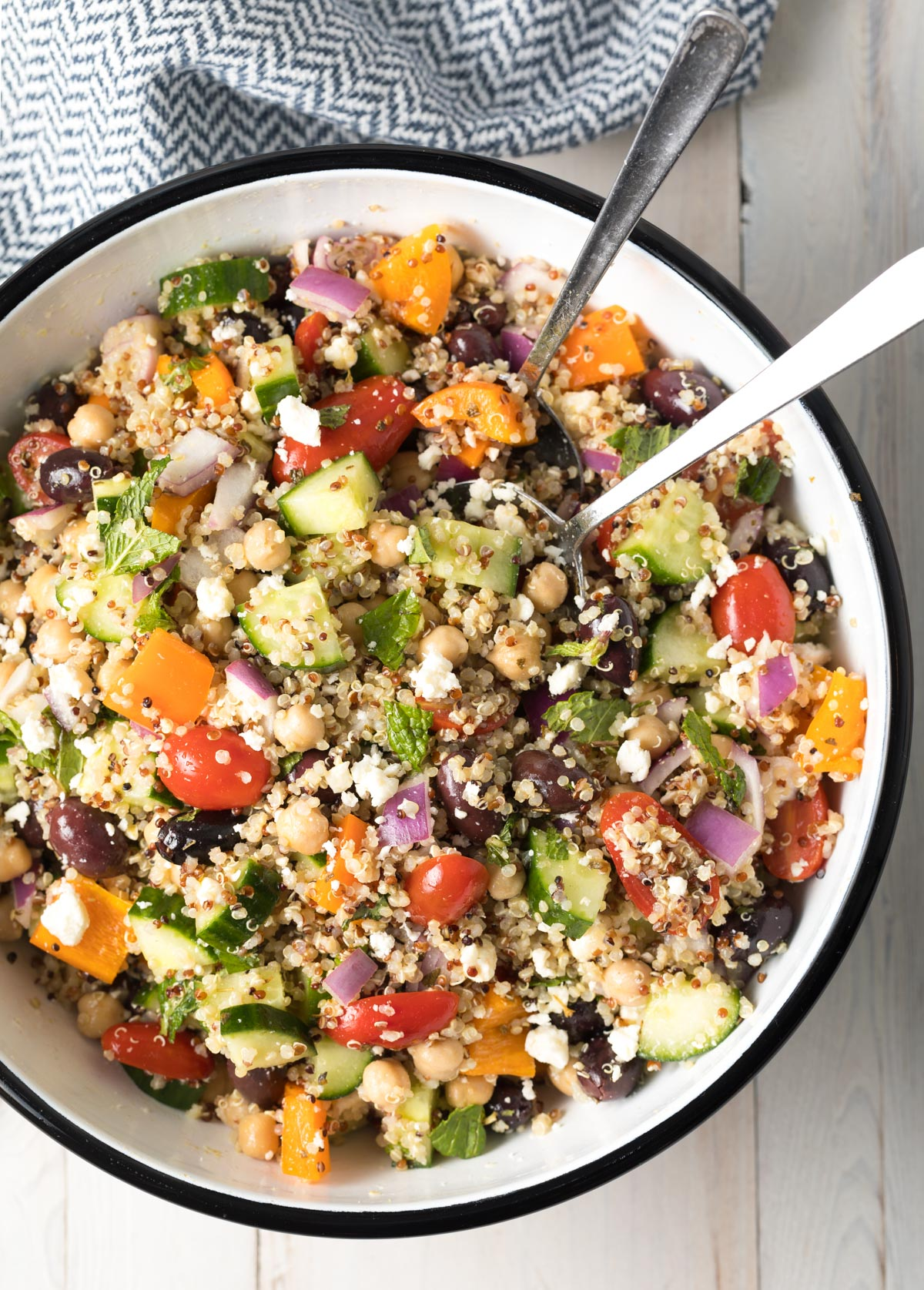 Chunky Mediterranean Quinoa Salad Video A Spicy Perspective