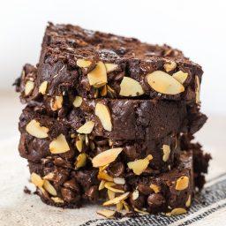 Chunky Chocolate Banana Bread Recipe #ASpicyPerspective #chocolate #banana #coconut #almond #hawaiian