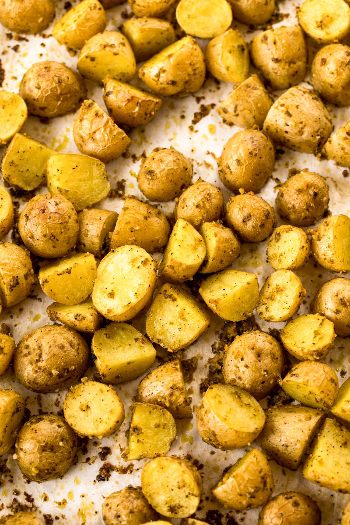 Easy 2-Ingredient Oven Roasted Potatoes Recipe #ASpicyPerspective #potato #glutenfree #side #sidedish #roasted
