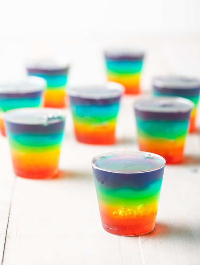 How To Make Jello Shots (Recipe) #ASpicyPerspective #jello #shots #jelloshots #vodka #rum #party