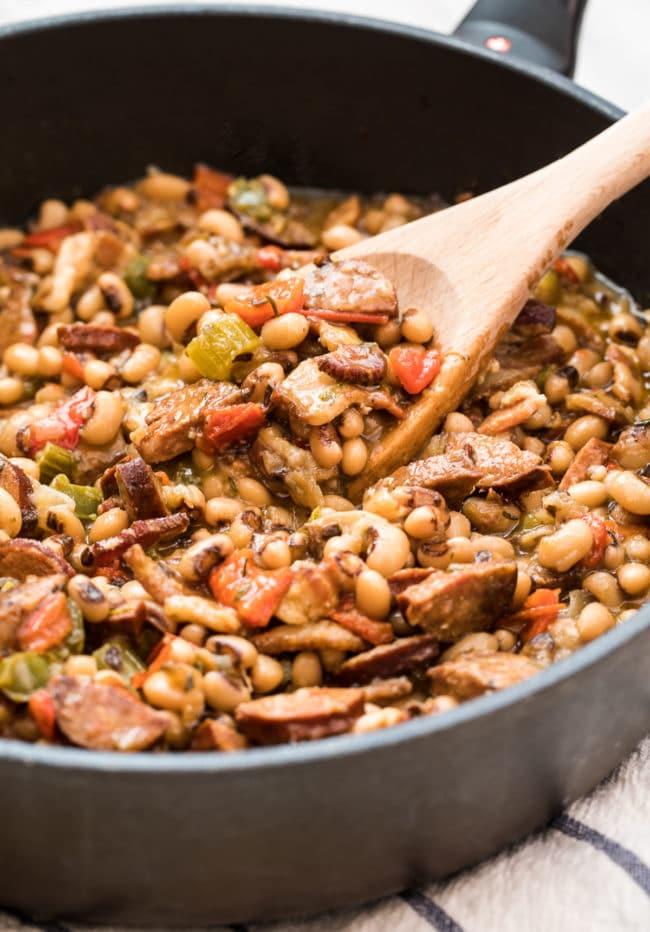 Authentic Hoppin' John Recipe #ASpicyPerspective #peas #rice #blackeyedpeas #southern #newyears