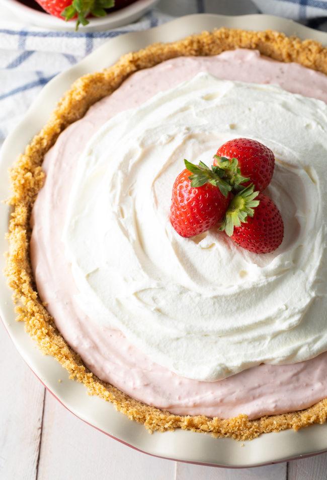 No-Bake Strawberry Cream Pie Recipe