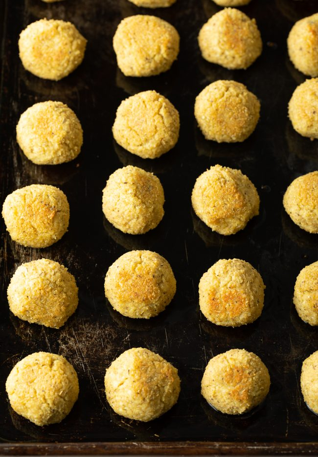 baked vegan / vegetarian meatballs