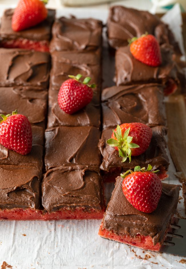 How to Make Boxed Cake Mix Strawberry Brownies