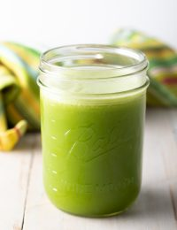 Jugo Verde (Green Juice Recipe)
