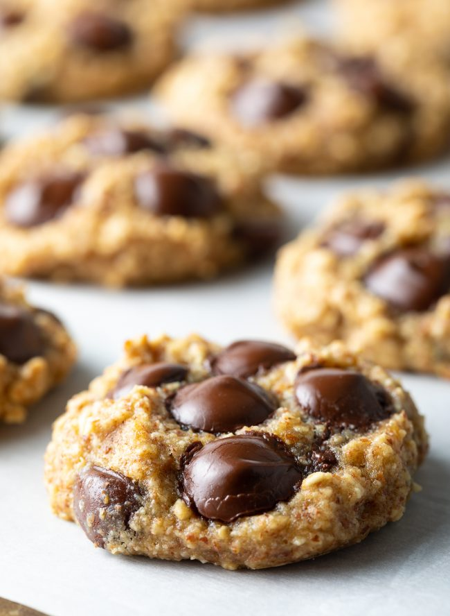 skinny banana oatmeal cookies with chocolate chips