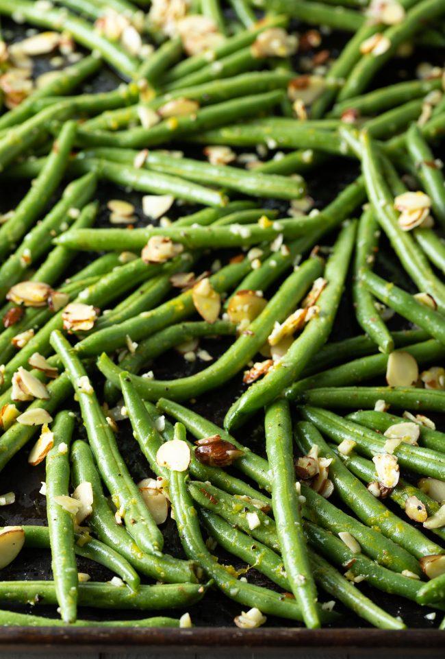 roasted green beans almondine