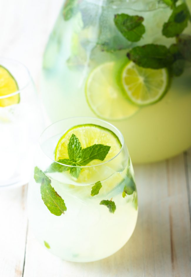 mint mojitos with lime