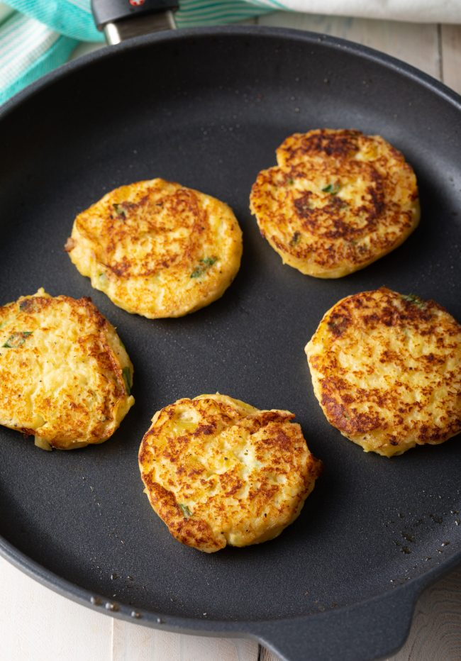 how to fry potato cakes on the stove top