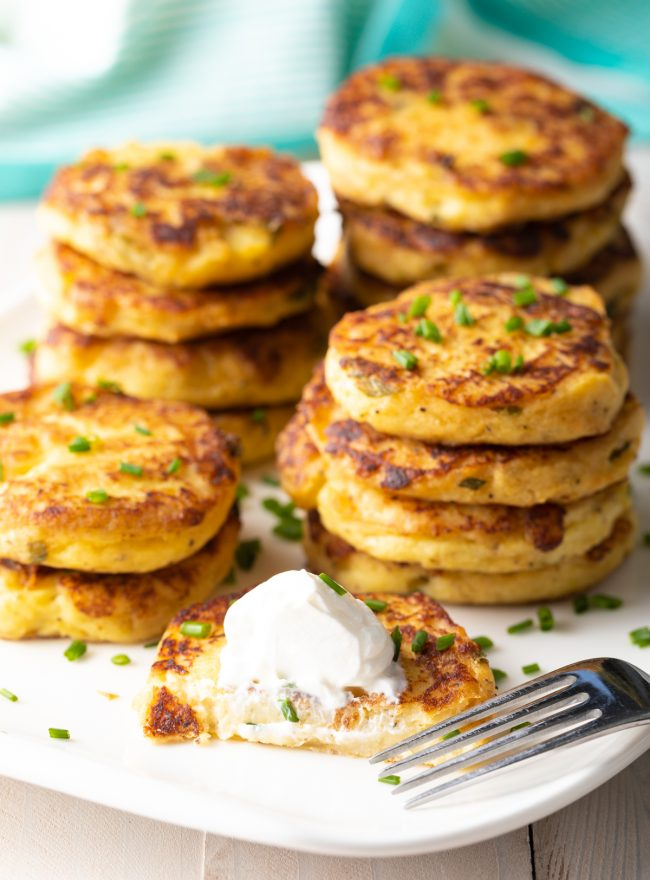 goldne crispy pan fried mashed potato pancake recipe with sour cream and scallions