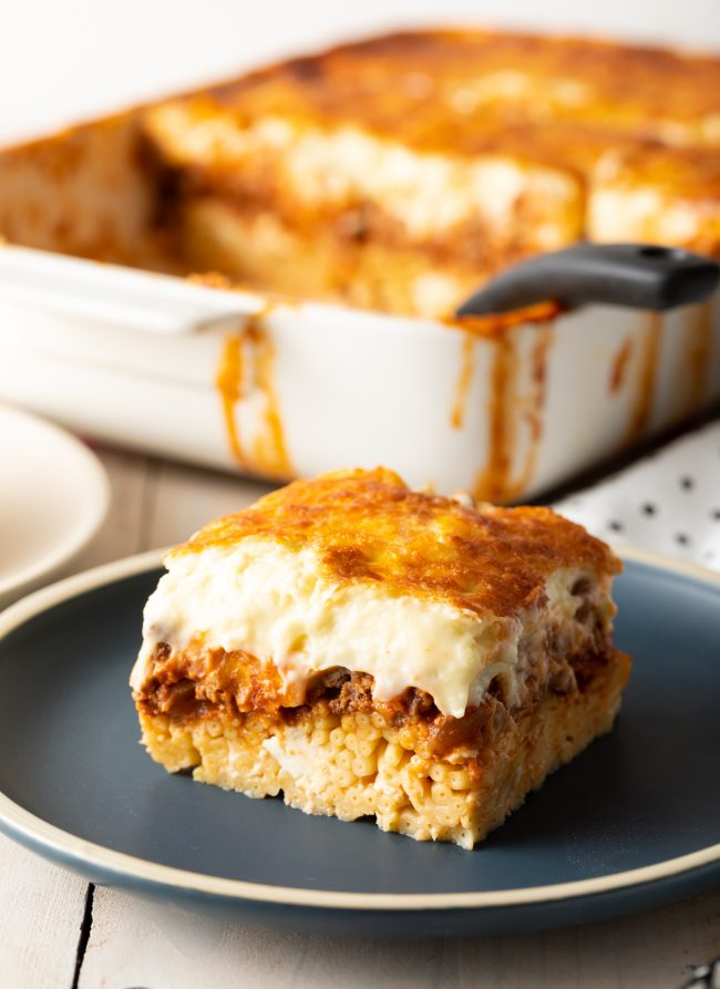 Greek pastitsio recipe with meat sauce and bechamel