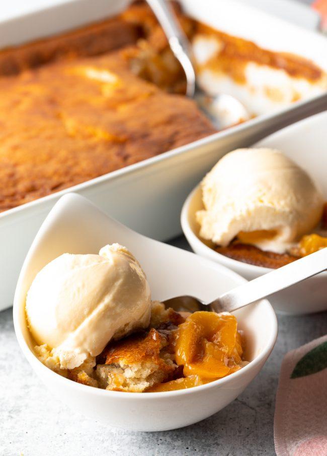 easy peach cobbler recipe with bisquick