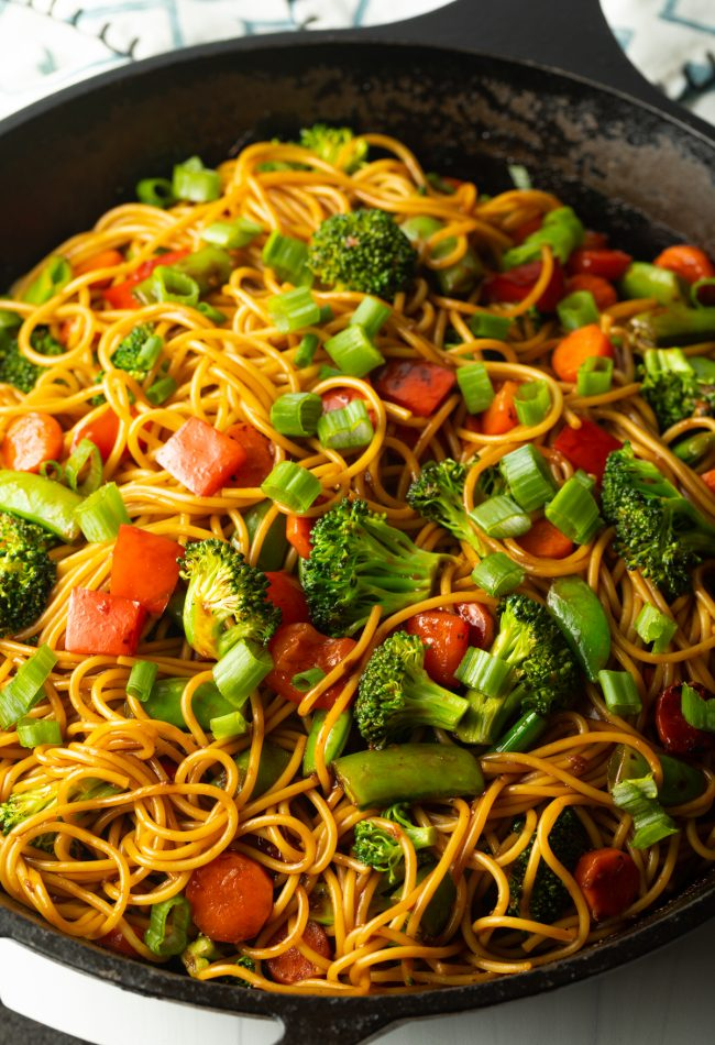 vegetables and noodles with stir fry sauce